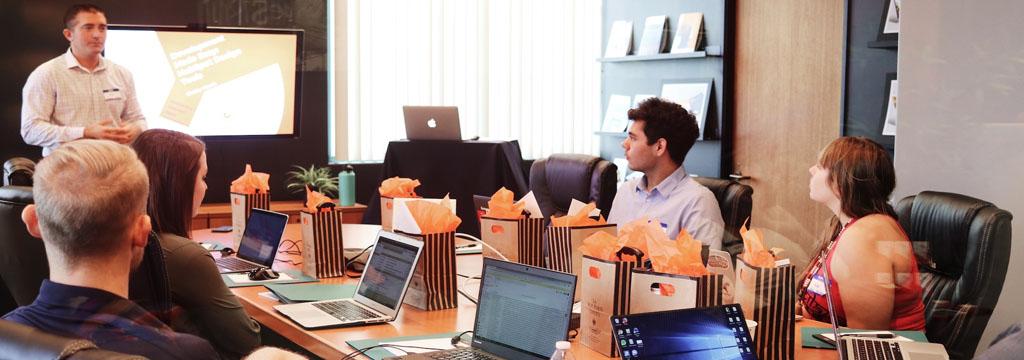 Bạn đang tìm kiếm giải pháp cho doanh nghiệp?